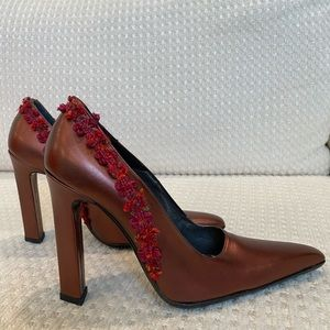 Pretty chunky Italian leather burgundy pumps